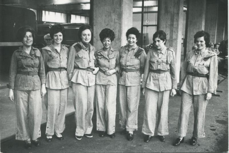 Da sinistra: Bona Bernasconi, Carla Hubmann, Maria Teresa Scossa, Tania Vigne, Betty Hügly, Ivana Bocchi e Simona Ponti.
